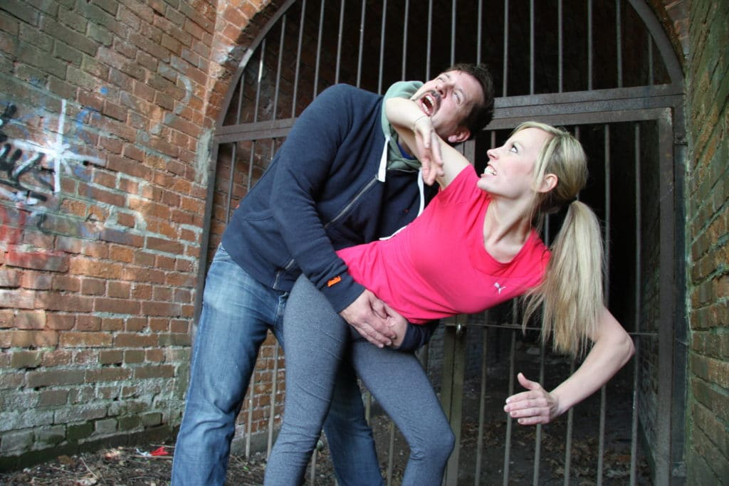 Elbow-Move-for-Women-Self-Defense